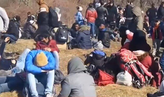 Біженці на кордоні Туреччини і Греції, скріншот: YouTube