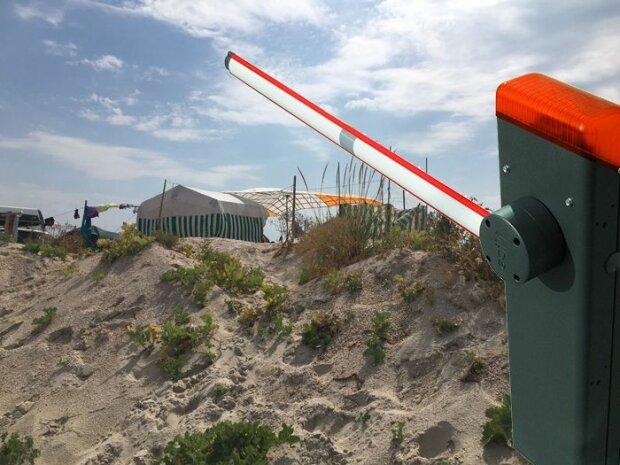 Під Запоріжжям п'яні туристи розгромили пляж - розважалися, як могли
