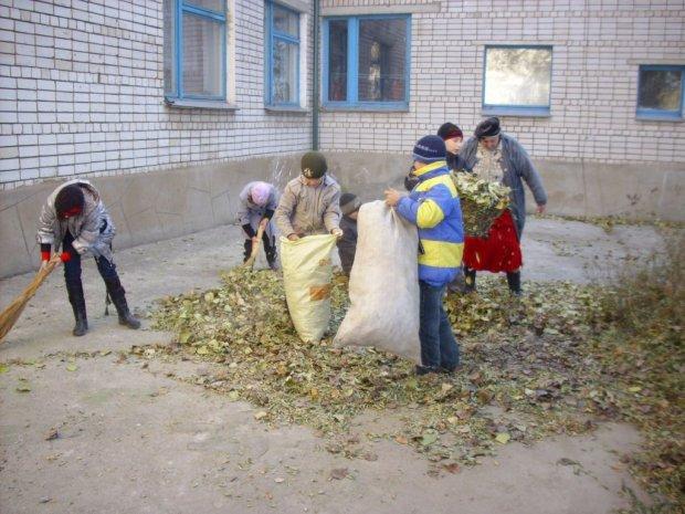 Спалювачів листя ловитимуть з неба: що загрожує українцям