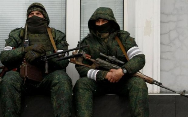 """Позорище: стало известно, как боевики встретили """"своих"""" из плена"""