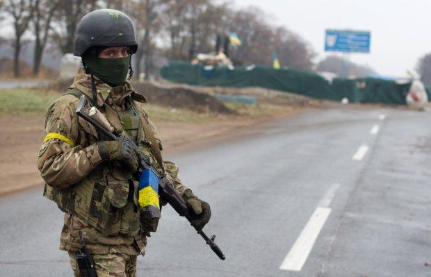 """Украину предали защитники: воинов ВСУ поймали на продаже смертоносного оружия, """"все в Россию"""""""