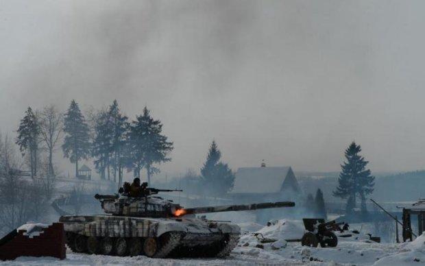 """Путінські мавпи """"героїчно перемогли"""" два власних танки на Донбасі"""