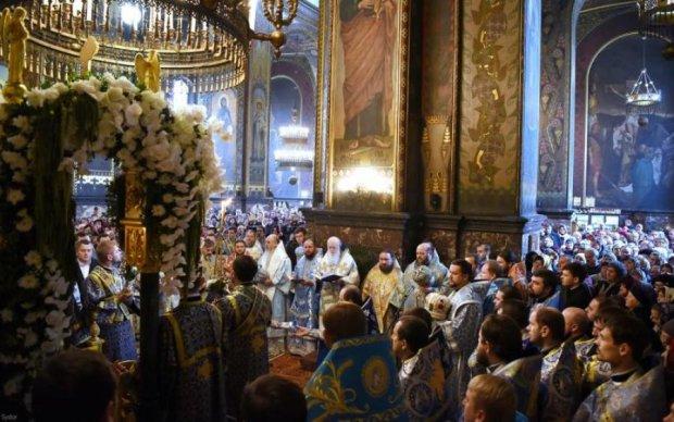 Киевский или Московский патриархат: какую церковь выбрали украинцы