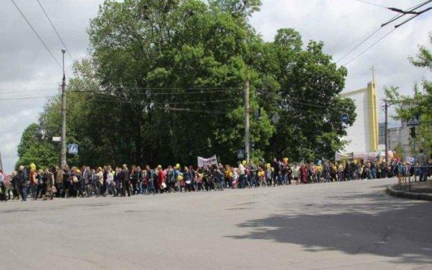 Пізнати країну: столичні активісти пішки вирушили до Чернігова