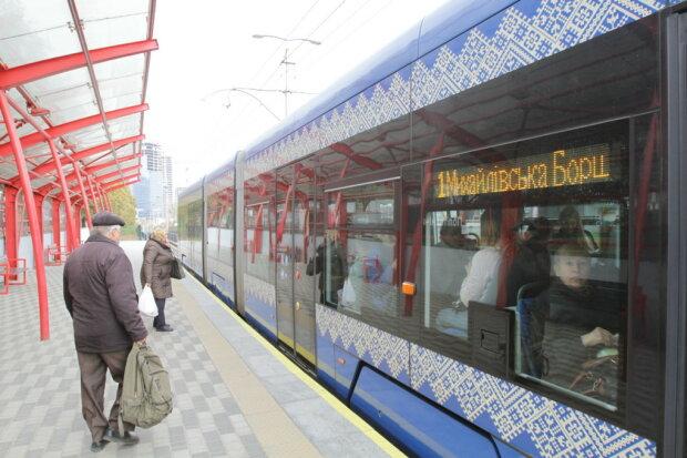 """Стопами Філатова? Кличко похапцем запустив швидкісний трамвай на Борщагівку, """"втомився"""" слідом за мостами"""