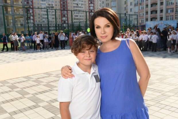 Алла Мазур с сыном, фото: facebook.com/1plus1.AllaMazur