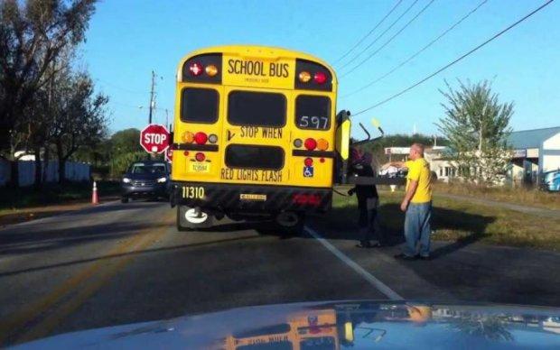 Фура разнесла школьный автобус в хлам: десятки раненых