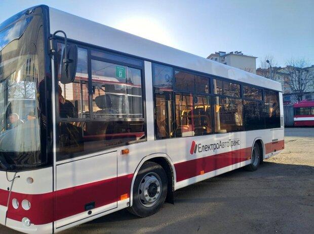 Автобус, фото: Facebook: КП Электроавтотранс ИФ