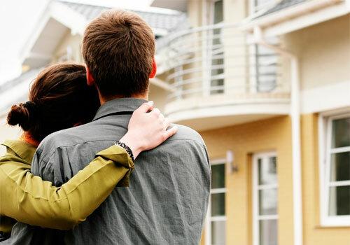 """Вітаємо, у вас трійня: у Вінниці чиновники пообіцяли багатодітній мамі квартиру і """"забули"""""""