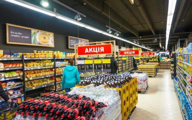 Бруд, щури, хамство: популярний київський супермаркет перетворився на смітник