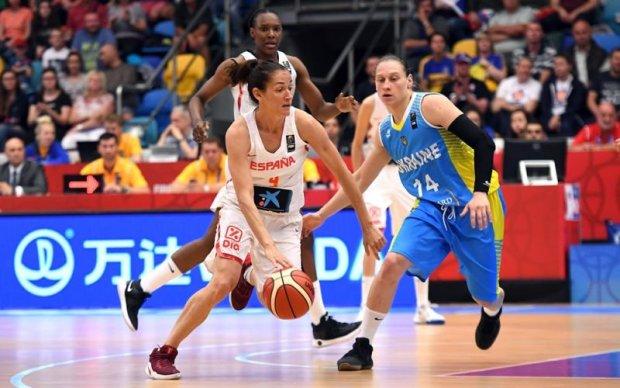 Емоційна українська вболівальниця підкорила любителів баскетболу