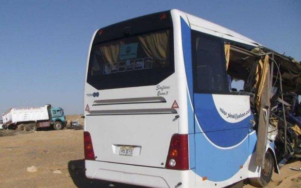 Смертельний відпочинок: повний автобус туристів розбився в Єгипті