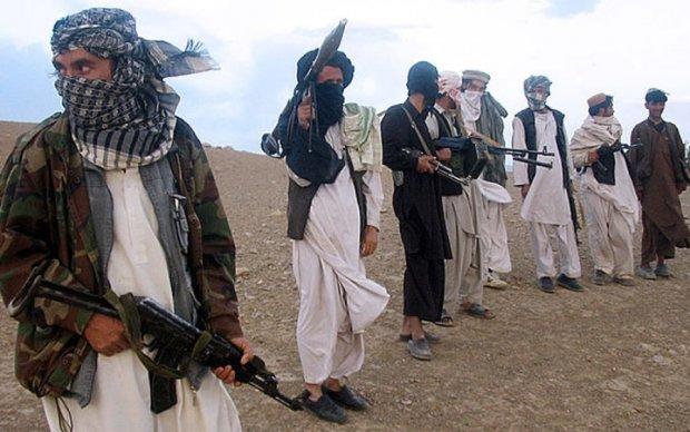 Таліби влаштували бійню на афганській військовій базі