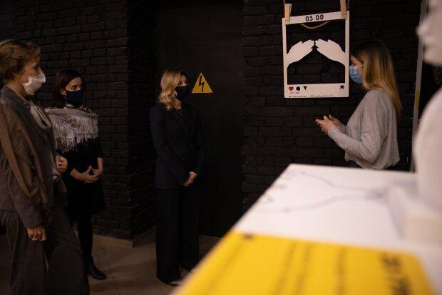 Елена Зеленская посетила музей для слабовидящих