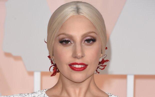 Схудла Леді Гага засвітила принади на пляжі: гарячі фото