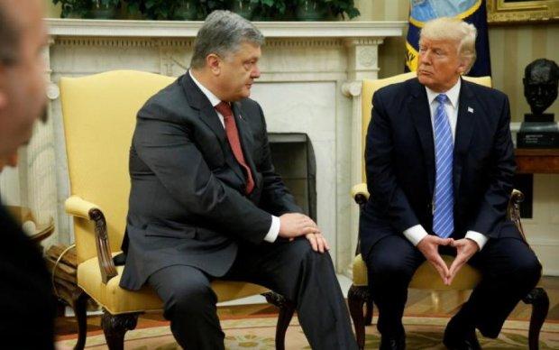 Американские СМИ обрушились на Трампа из-за переговоров с Порошенко