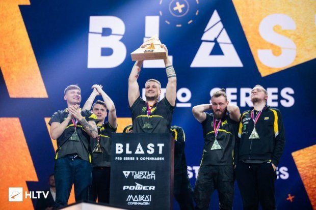 Українська команда Na'Vi стала чемпіоном по CS:GO, заробивши мільйони