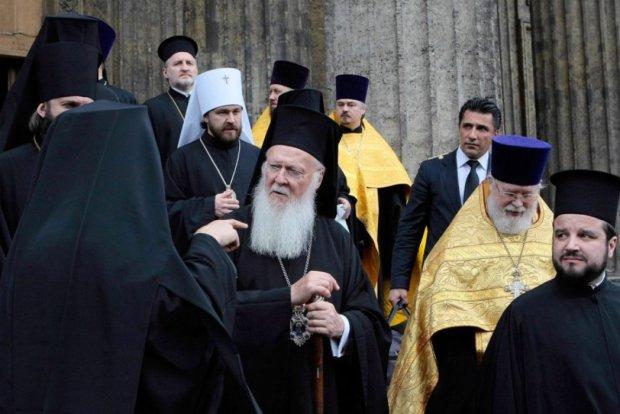 Опасность борьбы: еще одна церковь решила сделать Путину приятно