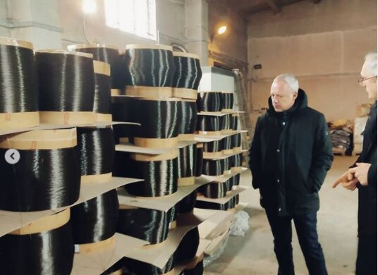 """Мер Клічук заглянув на важливе виробництво у Чернівцях: """"Попрацюємо?"""""""