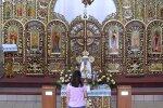Молитва у церкві, кадр з відео