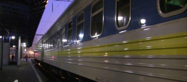 У Запоріжжі відкрили вокзал і пустили квитки в продаж - куди поїдемо після карантину