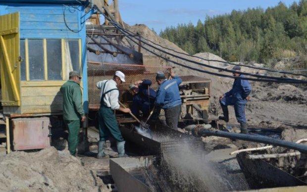 Легальний видобуток бурштину: що отримає Україна