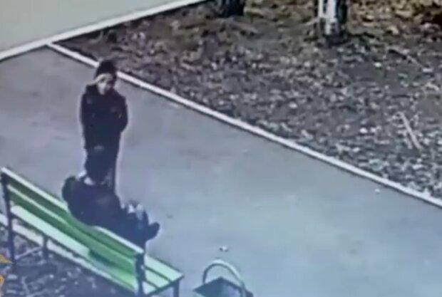 Викрадення дитини, скріншот з відео