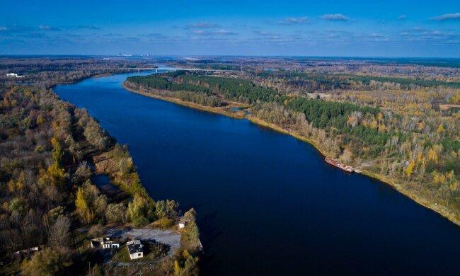Українські яхтсмени пройшли річковий маршрут, який був закритий понад 30 років: Чорнобиль оживає