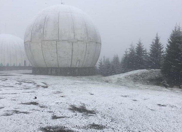 Украину засыпало снегом, погода сошла с ума в сентябре