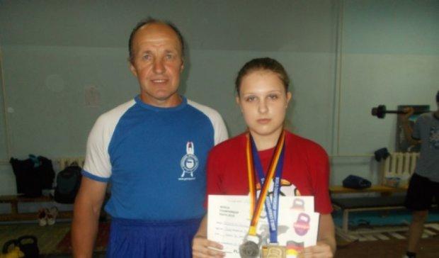 17-річна українка стала чемпіонкою світу з гирьового спорту