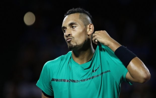 Феноменальный удар теннисиста сорвал овации на турнире в Майами