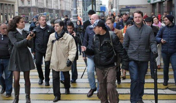 Московские копы запаковали в автозаки десятки оппозиционеров