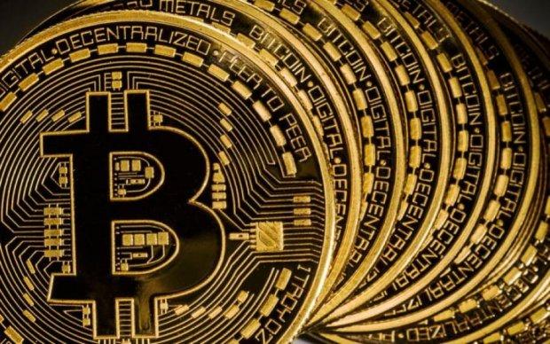 Курс біткоіна на 15 липня: головна криптовалюта пробила чергове дно