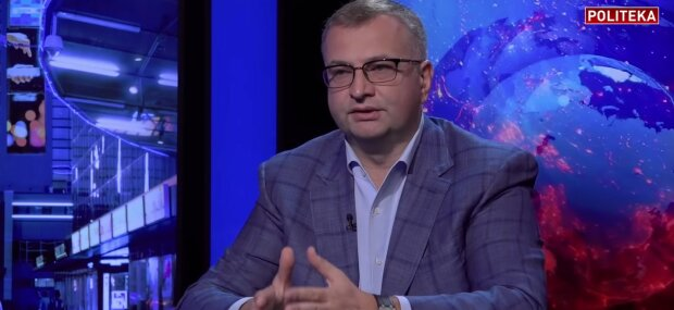 Атаманюк: Украинские чиновники не вызывают уважения у Запада