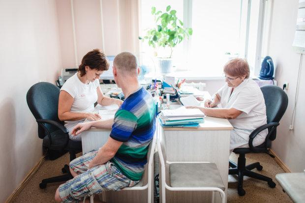 Украинцам ставят вымышленные диагнозы: к каким симптомам следует присмотреться внимательнее