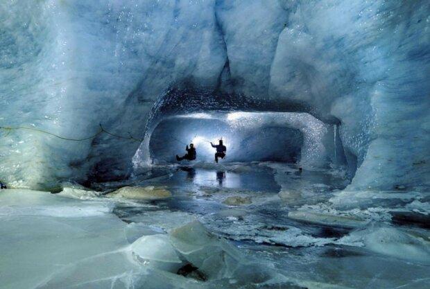 Скарби Гітлера розкопали біля берегів Антарктиди: вчені шукали їх десятиліттями