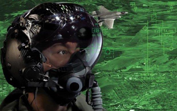 У США розробили шолом, що дозволить пілоту бачити крізь літак