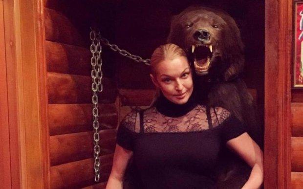 """В каком веке снимали: Волочкова показала """"дошпагатный период"""""""