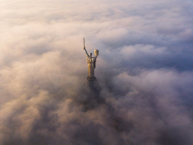"На улицах Киева стало опасно дышать: столицу внезапно ""атаковало"" ядовитое облако"
