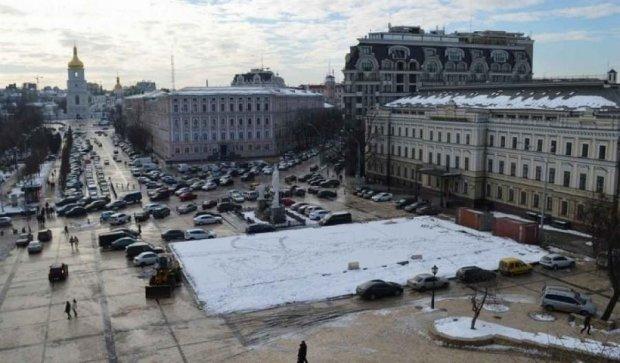 """Завтра """"откроют"""" подземный паркинг под Михайловской площадью"""