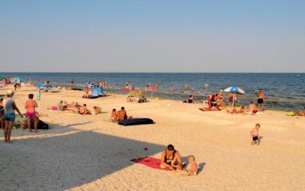 Ядовитые монстры выгнали туристов с Азовского моря