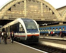 """В поезде """"Львов-Дарница"""" ищут бомбу, lviv.sq.com.ua"""