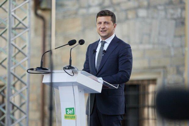 """Зеленский предстал перед родственниками погибшего на Донбассе солдата: """"Хотелось без пафоса"""""""