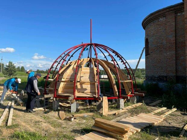 Стародавній козацький Спасо-Преображенський монастир УПЦ в Межигір'ї запрошує взяти участь у відродженні обителі