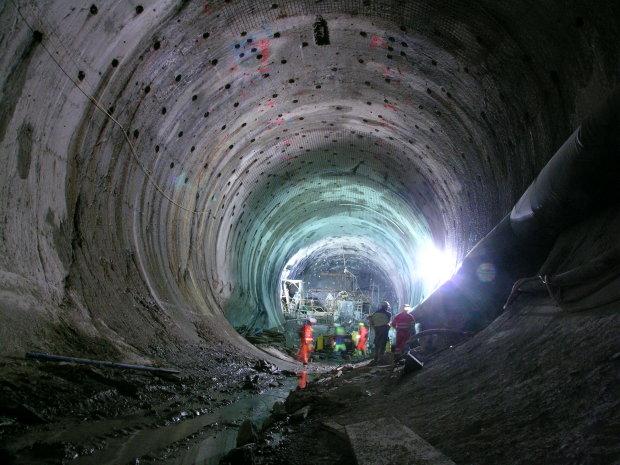 Археологи нашли вход в несуществующий метрополитен