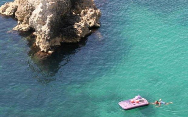 Двоих унесло: украинцам напомнили о правилах на воде
