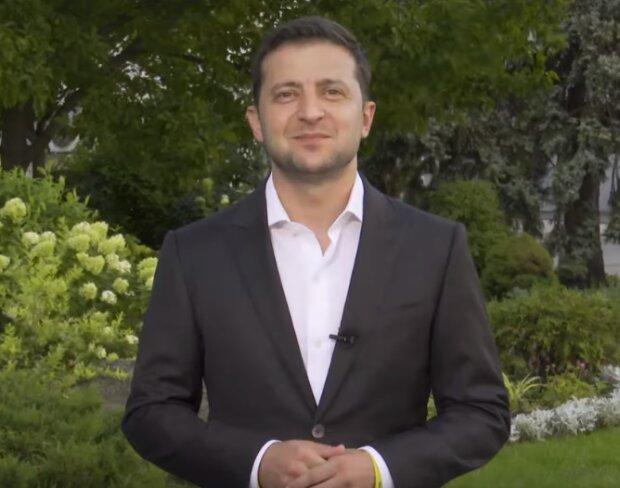 """""""Давайте сделаем это вместе"""": Зеленский обратился к украинцам с просьбой перед Днем флага"""