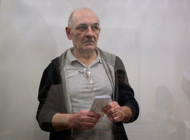 Владимир Цемах в зале суда