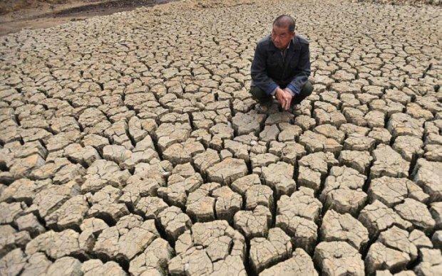 Страшні катаклізми: людству порадили запасатися водою
