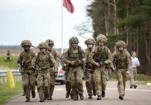 Британська армія мчить до Росії: що відбувається